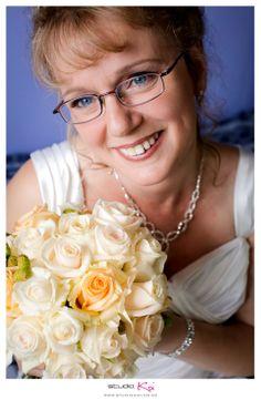Amazing wedding photography and wedding photographers in Christchurch Photographers, Bouquet, Wedding Photography, Crown, Bridal, Amazing, Fashion, Moda, Corona