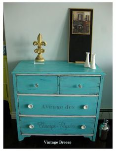 LOVELY Shabby Chic for the DIYer ツWe❤2share @Grenlist.com Classifieds ══► Cool blue furniture makeover