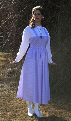Adorable calico pinafore....wouldn't this look cute with a ruffly petticoat underneath....or pantaloons?