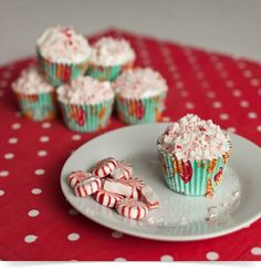 Holiday Peppermint Cupcakes