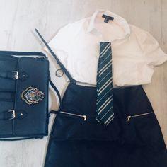 On My way to Hogwarts #hogwarts #fashion #style #harrypotter #slytherin