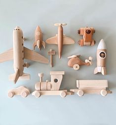Love these simple toys.You can find Wooden toys and more on our website.Love these simple toys. Woodworking For Kids, Woodworking Projects Diy, Woodworking Bench, Diy Projects, Woodworking Techniques, Project Ideas, Toys Drawing, Childrens Toy Storage, Childrens Beds