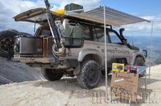 80 series Land Cruiser - Seriously kitted out! Land Cruiser Fj80, Toyota Land Cruiser, Toyota 4x4, Toyota Cars, Toyota Trucks, Pajero Off Road, Landcruiser 80 Series, Nissan Patrol, Truck Camping