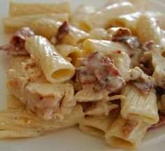 Pasta dishes recipes with bacon Bacon Recipes, Pasta Recipes, Chicken Recipes, Dinner Recipes, Cooking Recipes, Pasta Dishes, Food Dishes, Pasta Penne, Chicken Bacon Pasta