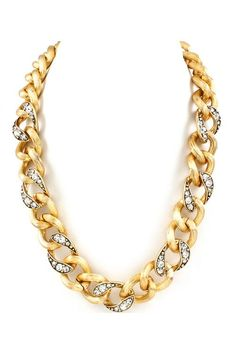 Chunky chain necklace.