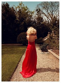 love this red dress
