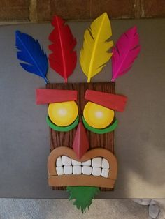 Made my own Aku Aku mask. Tiki Party, Luau Party, Nerd Crafts, Diy And Crafts, Video Game Bedroom, Diy For Kids, Crafts For Kids, Kids Art Galleries, Cabin Crafts