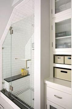 35 Functional Attic Bathroom Ideas: