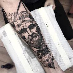 Gentleman and flowers  #electricink  @inkonik_tattoo_studio