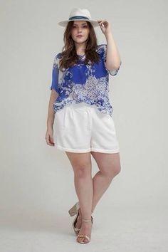 """RENATA POSKUS - Blog Mulherão: Cristina Sêneda é uma grife premium do grupo Xica Vaidosa, elaborada especialmente para a mulher plus size contemporânea, de espírito jovial, elegante, que preza por qualidade e bom gosto. Toda a coleção é feita com tecidos e estampas exclusivos. A primeira coleção da marca, Verão 2016, tem o tema: """"Meu sonho de Verão"""" com muitas roupas leves, claras e em tecidos fluídos."""