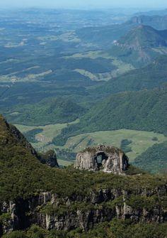 Pedra Furada em Urubici, estado de Santa Catarina, Brasil.