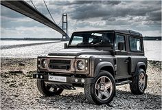Land Rover Defender 90 Td4 Sw Se customized Twisted ICON extreme experience adventure flying-huntsman-kahn-design. Superb. Lobezno.