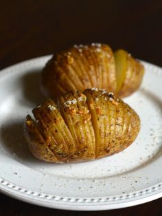 Garlic Hasselback Potatoes on the Grill: Guest Post by CopyKat Recipes | kissmysmoke.com | Potatoes are cut into small slices, then drizzled with garlic butter sauce. It gives an amazing crunch to these Hasselback Potatoes!