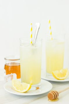 Fancy Refreshing Gin Ricky with Honey and Lemon