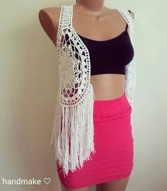 Crochet vest croptop #handmake #crochet #instacrochet #handmade #croptop #vest #white #forewoman #etsy #summer #beachwear #acsessories #lace #топ #жилет #ручнаяработа #бахрома #вест #орнамент #длянее #белый #пляж #лето