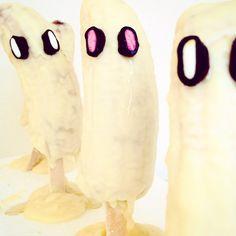Banane paurose.... Per il party di Halloween, ricoperte di cioccolato bianco con occhietti di liquirizia