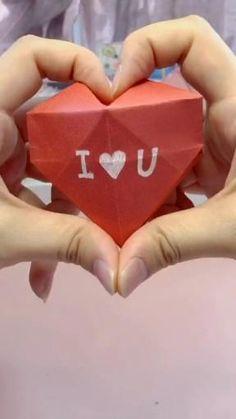 Instruções Origami, Paper Crafts Origami, Heart Origami, Origami Flowers, Dollar Origami, Origami Bookmark, Origami Ring, Origami Gift Box, Origami Tattoo