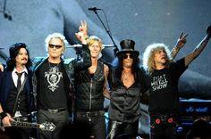 Gilby Clarke, Matt Sorum, Duff McKagan, Slash, Steven Adler (photo: Michael Loccisano/Getty Images)