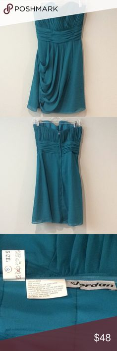 Strapless cocktail dress #  Brand: Jordan  Bust: approx. 16.5'  Length: armpit to hem/approx. 28.5  Material: 100% Polyester   Color: Teal (leans towards green- NOT blue)  Features: strapless, empire waist, cascading front  Last pic shows fit  Preowned and gently used   Great party dress! Jordan Dresses Strapless