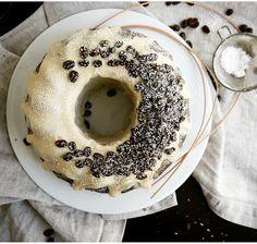 Veganer Banane-Kaffee Gugelhupf Vegan banana-coffee bundt cake *Hummelsüß* http://hummelsuess.blogspot.de/2016/06/der-muntermacher.htm