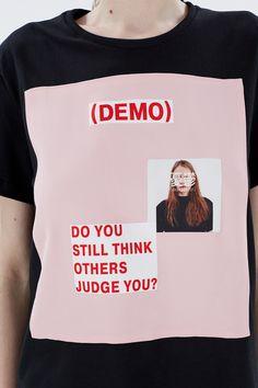 """<span style=""""background-color: #ffffff;"""">В своей весенне-летней коллекции Даша Сельянова исследовала тему подростковой депрессии.Как результат - обилие принтов в виде различных социальных лозунгов.</span>Простая черная футболка с оригинальным принтом ZDDZ - отличный варинат на каждый день. Сочетайте ее с <a href=""""/catalog/women/trousers/"""">простыми джинсами</a> для повседневного образа, а на вечеринки в стиле техно - с <a href=""""/catalog/br..."""
