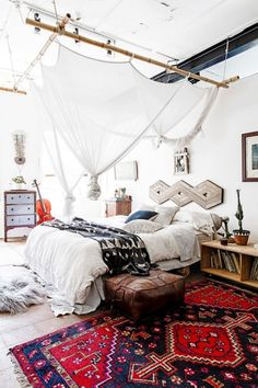 Boho interior design, boheminan living room, boho decor, interior trends b… - All About Decoration Bohemian Bedroom Decor, Bohemian Interior, Boho Decor, Bohemian Decorating, Gypsy Bedroom, Whimsical Bedroom, Diy Casa, Home And Deco, Home Bedroom