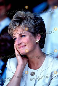 Princess Diana Red Cross-mazerera Zimbabwe Photo:dave Chancellor-alpha-Globe Photos Inc 1993