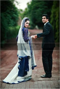 Photo by Irfan Ahson - http://www.irfanahson.com/    Gorgeous navy dress