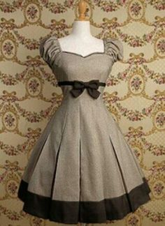 Moda vintage outfits chic simple ideas for 2019 Pretty Outfits, Pretty Dresses, Beautiful Outfits, Cute Outfits, Vintage Dresses, Vintage Outfits, Vintage Fashion, Vintage Style, Vintage Party
