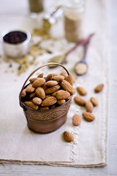 The health benefits of almonds are highly underrated. Commonly referred to as a nut, Almonds are actually very small stone fruits belonging to the Amygdalus family. Health Benefits Of Almonds, Almond Benefits, Fruit Recipes, Real Food Recipes, Healthy Recipes, Healthy Food, Healthy Snaks, Fruits And Veggies, Fresh Vegetables