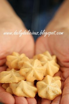 Easy maple syrup cookies : http://dailydelicious.blogspot.sg/2011/07/maple-syrup-butter-cookies.html