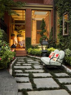 Front Porch Design from Savannah College of Art and Design President, Paula Wallace