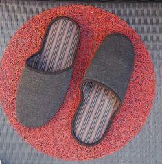 1000 ideas about pantoufle homme on pinterest slippers id e cadeau original femme and cadeau. Black Bedroom Furniture Sets. Home Design Ideas