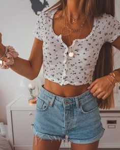cute outfits for school ; cute outfits for winter ; cute outfits with leggings ; cute outfits for school for highschool ; cute outfits for women ; cute outfits for school winter Summer Outfit For Teen Girls, Summer Outfits Men, Casual Summer Outfits, Spring Outfits, Casual Fall, Cute Summer Clothes, Tumblr Summer Outfits, Boho Fashion Summer Outfits, Cute Teen Clothes