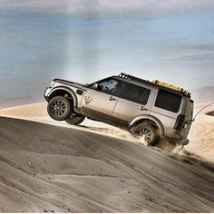 """""""Strength comes from overcoming the things you once thought you couldn't do"""" By Land Rover V8, Land Rover Camping, Jaguar Land Rover, Range Rover Evoque, Range Rover Sport, Tundra Off Road, 4x4, Best Suv, Bug Out Vehicle"""