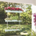 How to make a DIY gutter planter using vinyl gutters and more from The Home Depot. Plan to attend a at The Home Depot today. Garden Planters, Garden Beds, Herb Garden, Head Planters, Modern Planters, Balcony Garden, Diy Gutters, Gutter Garden, Diy Hanging Planter