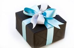 Google Image Result for http://sp.life123.com/bm.pix/gift-wrapping-ideas.s600x600.jpg