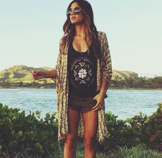 Kimono, graphic top, & shorts. A combination that will never fail you.