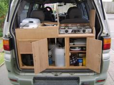 Creative DIY Camper Van Conversion for Road Trip Vacation & 90 Best Ideas - Page 24 of 93 - Home Decor & Decorative Accents for Every Room Minivan Camping, Land Rover Defender, Camper Van Kitchen, Camping Kitchen, Hiace Camper, Minivan Camper Conversion, Caravan Conversion, Kangoo Camper, T2 T3