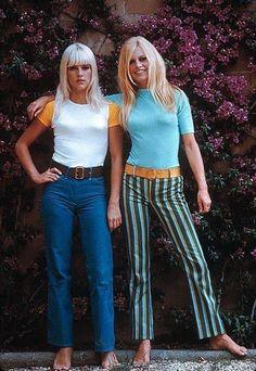 Sylvie Vartan & Brigitte Bardot, by Jean-Marie Périer in Marbella (December, Bridget Bardot, Brigitte Bardot, 1960s Fashion, Fashion Models, Vintage Fashion, Style Année 60, Mode Style, Vintage Mode, Look Vintage