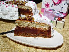 Tort cu crema de ciocolata si dulceata de gutui