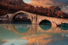 PONTE DELLA MADDALENA – The Bridge of Mary Magdalene (also called the Devil's Bridge) crosses the Serchio River at the town of Borgo a Mozzano. http://www.turismo.intoscana.it/allthingstuscany/aroundtuscany/images-of-tuscany-by-jim-delutes/