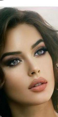 Most Beautiful Faces, Beautiful Long Hair, Beautiful Eyes, Beautiful Girl Photo, Beautiful Models, Actrices Hollywood, Model Face, Celebrity Makeup, Cute Faces