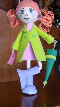 muñeca en goma eva