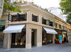 The federal café in Barcelona is a perfect place to enjoy a delicious brunch experience Shopping In Barcelona, Barcelona Food, Barcelona Travel, Dublin, Culture Art, Brunch, Café Bar, Facade Design, Exterior Design