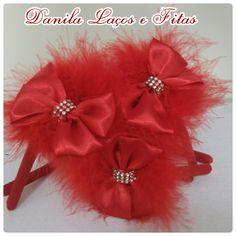 Arquinho vermelho plumas R$10 Danila Laços e Fitas