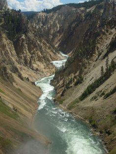 Yellowstone River in Yellowstone Park