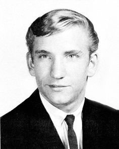 Eagles Guitarist Joe Walsh Fondly Recalls His High School Years in Montclair New Jersey Montclair New Jersey, Celebrity Yearbook Photos, History Of The Eagles, Eagles Band, Young Celebrities, Hotel California, American Music Awards, Ringo Starr