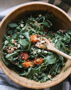 Honey roasted almonds, sweet potato, arugula, quinoa and brown rice. Delicious and healthy salad recipe, perfect to keep you warm for winter! Recipe by Naturally Serena