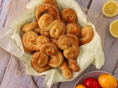 Greek Cookies, Easter Treats, Greek Recipes, Shrimp, Sausage, Meat, Food, Sausages, Essen